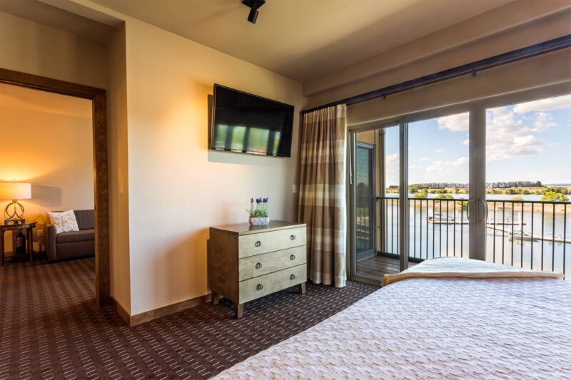 Riverfront King suite in Richland, Washington