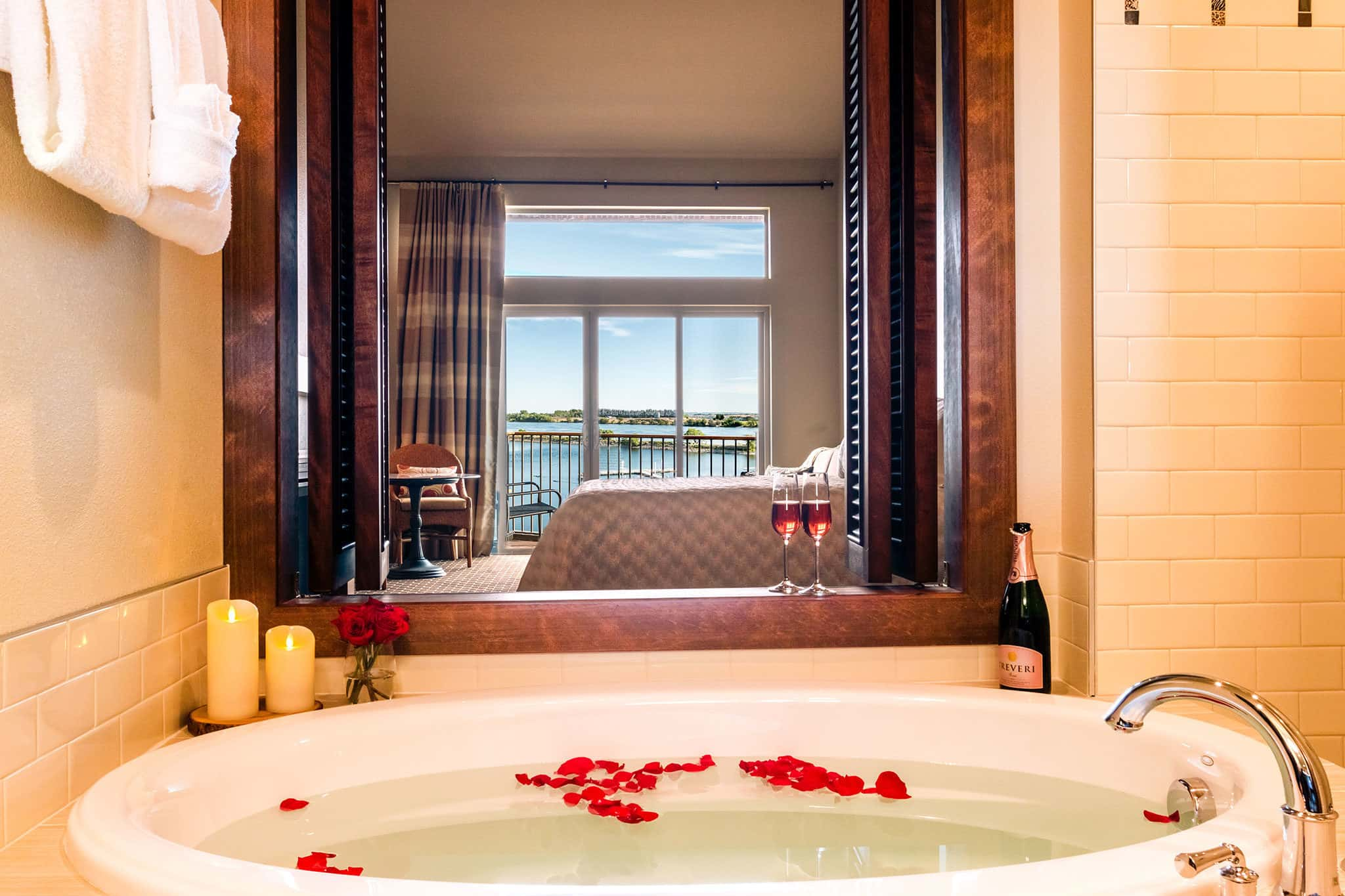 Plan your romantic vacation in the Tri-Cities, WA