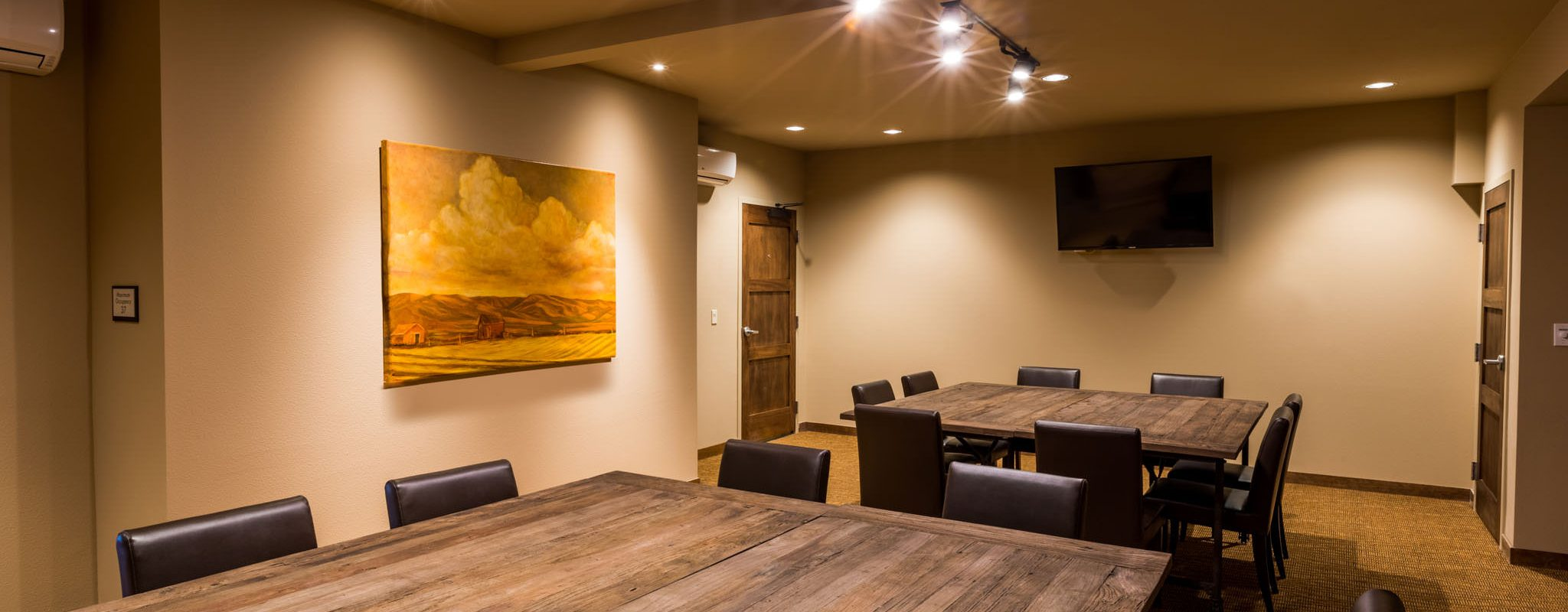 Business meeting room in Tri-Cities, Washington