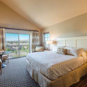 Mountain view room in Richland, Washington