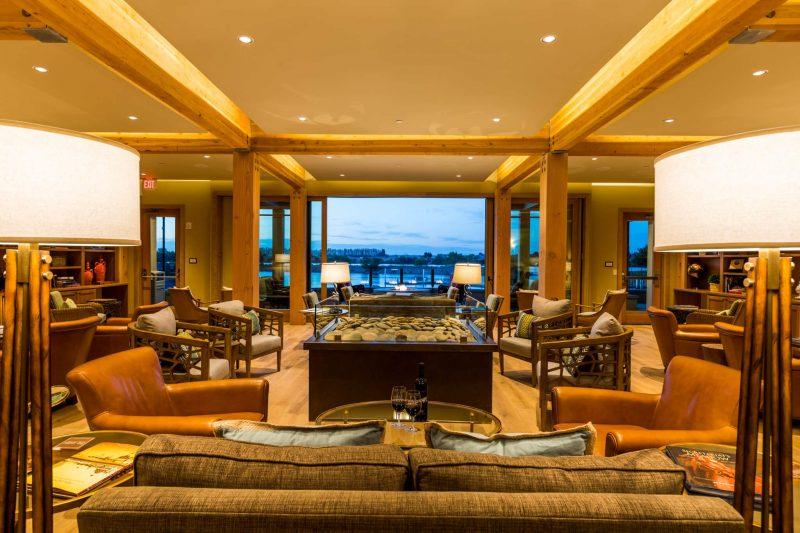 Lodge in Richland, Washington living room