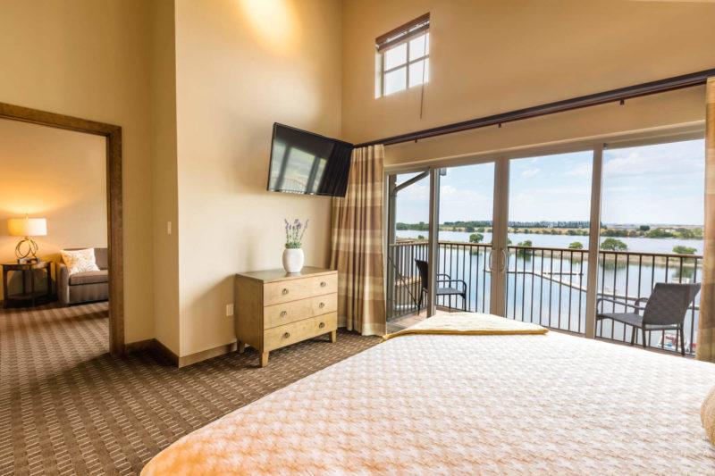Grand Cru Riverfront Corner King room