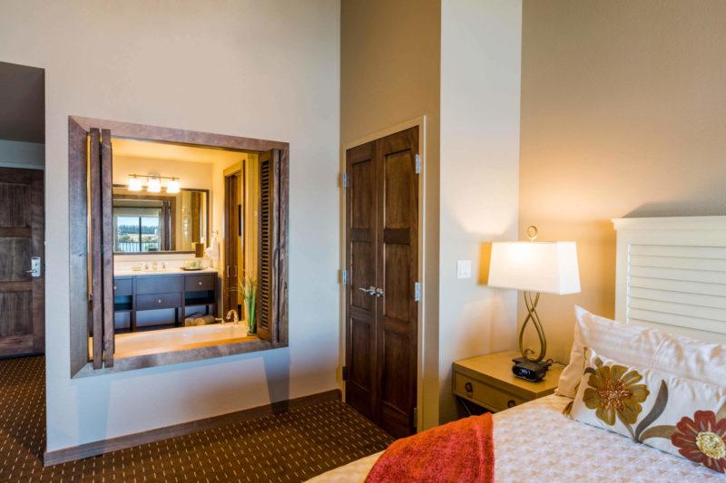 Grand Cru Riverfront King Premium room