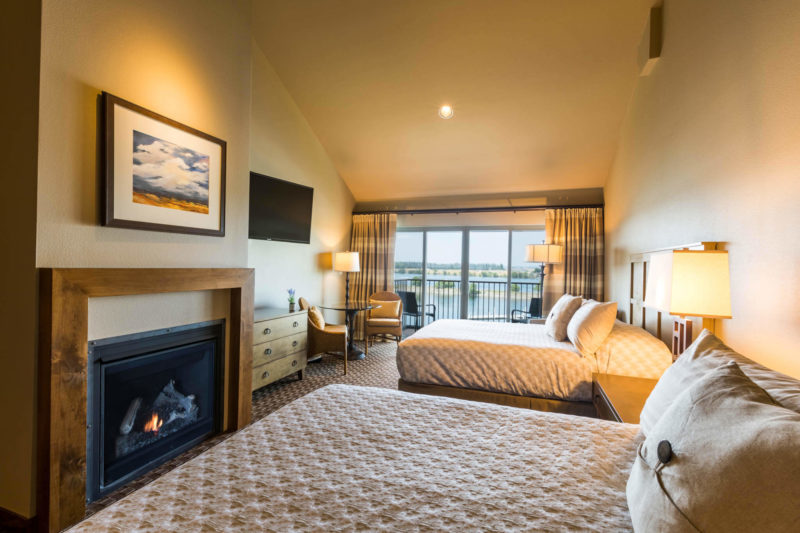 Grand Cru Riverfront Queen room