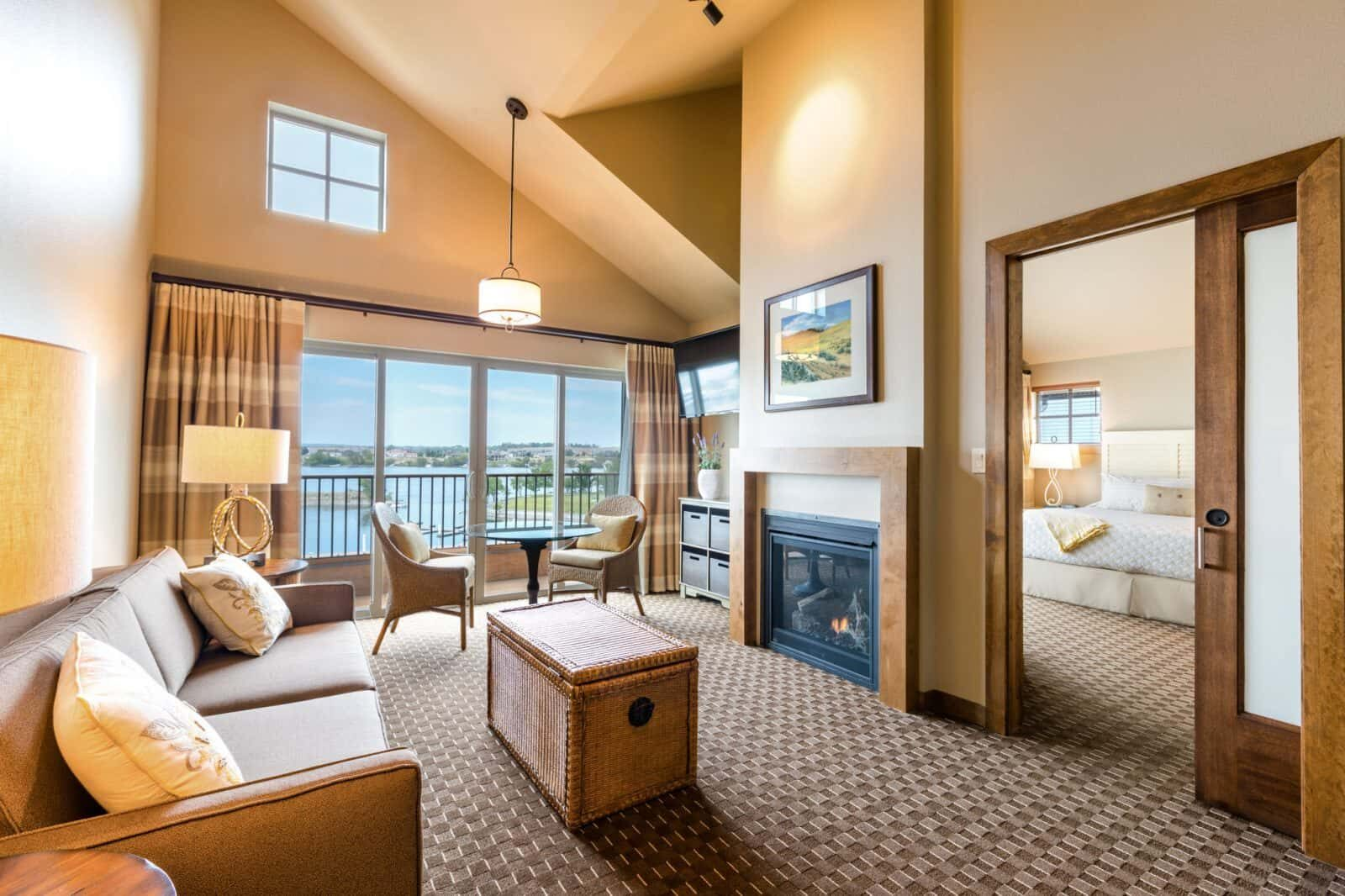 Lodge at Columbia Point: riverfront lodging in Richland, Washington